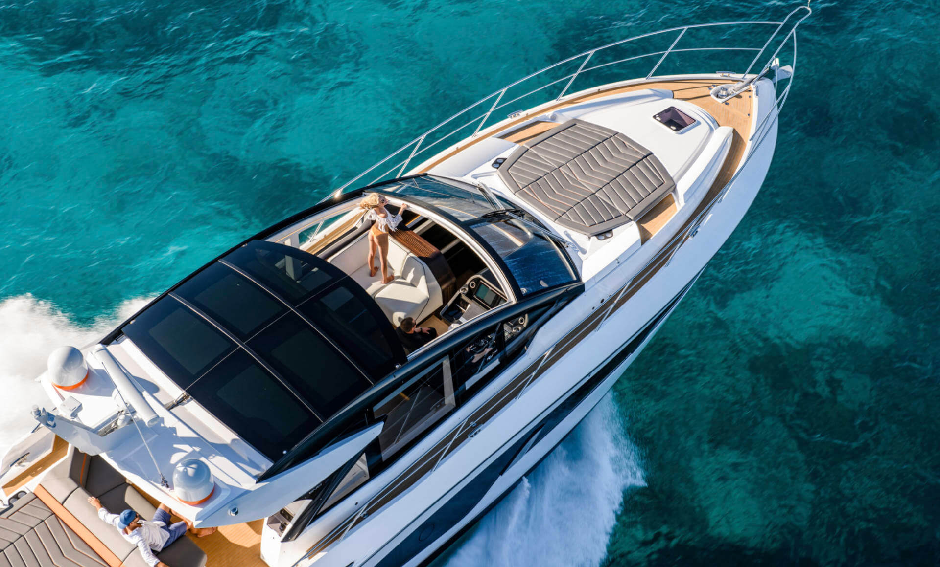 LUXURIA LIFESTYLE WELCOMES SUNSEEKER LONDON GROUP AS A NEW PLATINUM PARTNER